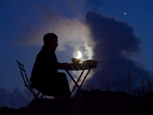 Ảnh sáng tạo với mặt trăng
